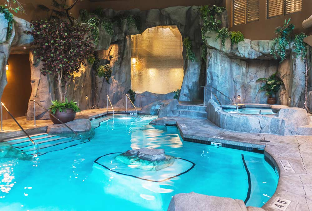 Grotto Spa Mineral Pool